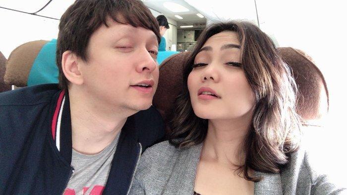 Photo of Rina Geram Netizen Sebut Suami Numpang Hidup