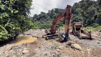 Photo of Penambangan Emas Ilegal di Pelepat Masuk Kawasan Hutan dan Cemari Sungai
