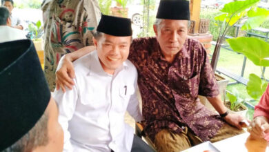Photo of Surat Dukungan Diserahkan Langsung oleh Muhaimin Iskandar, PKB Resmi Usung Al Haris-Sani