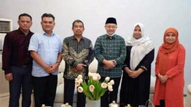 Photo of Kunjungan Balasan, Ratu Munawaroh Melawat ke Rumah CE