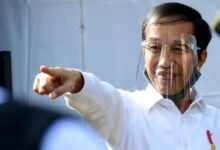 Photo of Marahi Menteri, Ini Transkrip Lengkap Pernyataan Jokowi