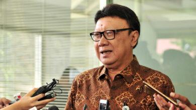 Photo of Utamakan Yang Kuasai IT, Tjahjo Kumolo : Pemerintah Bakal Kurangi ASN Tidak Produktif